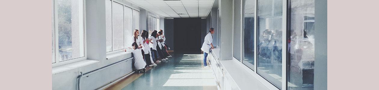 La familia y el hospital: no siempre la cercanía es posible
